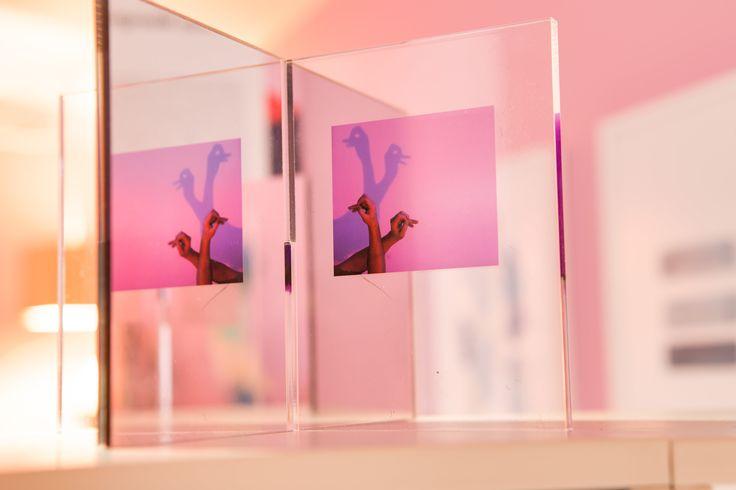 Ett rum för reflektion och avkoppling kan se annorlunda ut än vitt och asketiskt. Det bevisar Sara Garanty med inredningen av E15 på Stockholm design week.