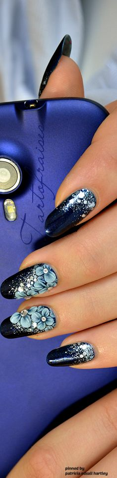 Blue with Flowers Nails ❤️