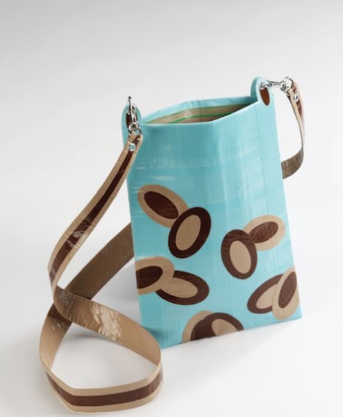 Create an Ovals Purse from Duct Tape on http://www.createmixedmedia.com