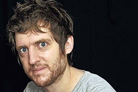 Elis James - BBC COMEDY FEEDS 2014  Born 3 November 1980Elis speaks fluent English and Welsh.  Independent talent