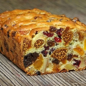 Cake with Dried Fruit Recipe