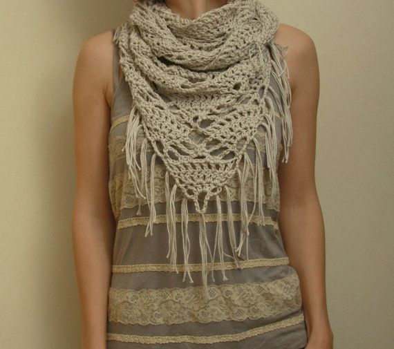 Knitting Pattern Triangle Head Scarf : 19 best images about gebreide sjaals DFI on Pinterest Free pattern, Taupe a...
