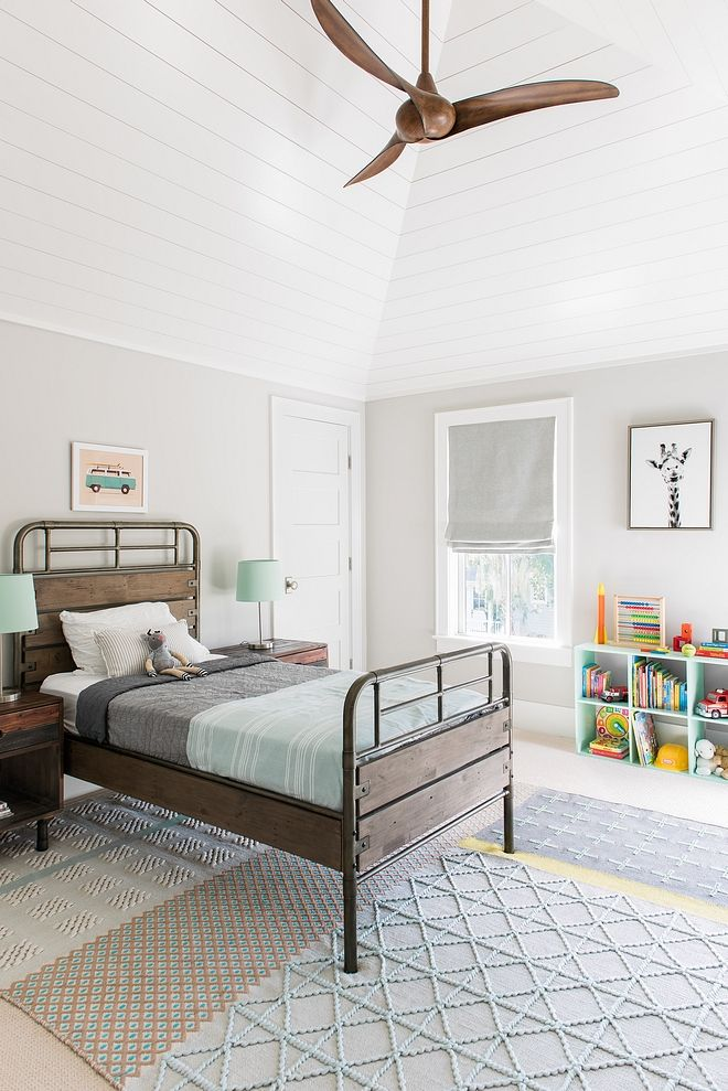 Benjamin Moore Rodeo This Boys Bedroom Features A Fresh