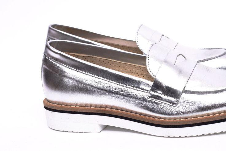 miMaO Mocasín Hastag Plata –  zapato mujer plano cómodo plata piel ante - Comfort women's flat  shoes moccasin silver suede leather