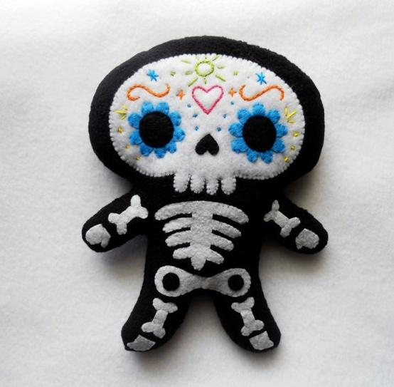 ..................... my felt friends ......................: Skeletons skulking around