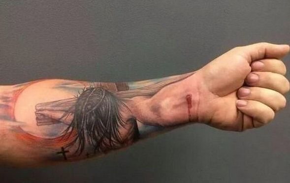 These 3D-tattoos play mind tricks! Nr. 2 scared me to death!