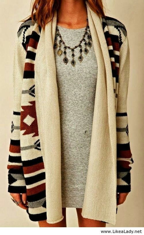 Aztec sweaters are a great way to stay warm this year because they are both fashionable and original. The Aztec people dominated Mexico from the 14th to 16th centuries, but the culture of the Aztecs was slowly eroded after the arrival of soldiers and explorers from the Empire of Spain.