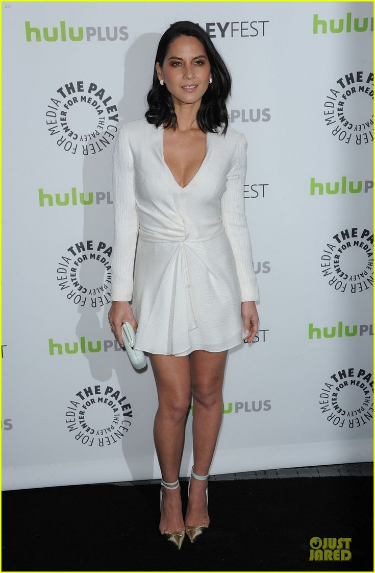 Olivia Munn: J. Mendel dress, Manolo Blahnik shoes, Vince Camuto bag, and Tivon jewels.