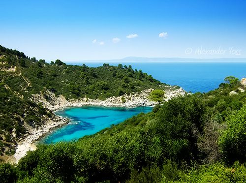 Turquoise heart (Sithonia, Chalkidiki, Greece) | A heart-shaped cove, hidden and miles from anywhere. Greece is full of wonders... :)