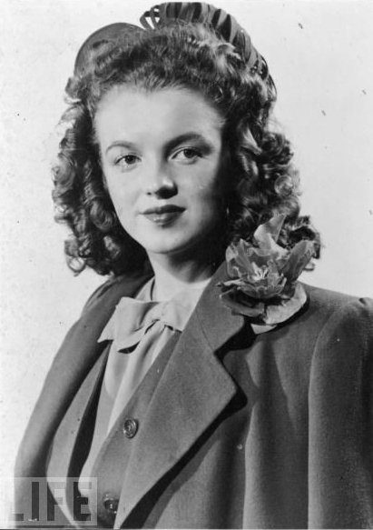 Marilyn Monroe At 14 A 14-year-old Norma Jeane Poses In