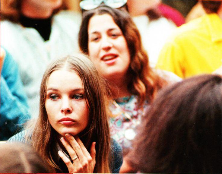 "Michelle Philips & ""Mama"" Cass in Monterey Pop Festival (1967)"