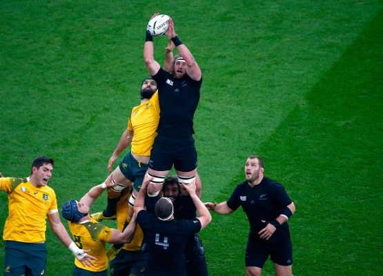 Lineout contest: Kieran Read wins out over Scott Fardy.