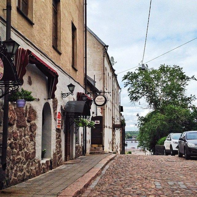 Выборгу немного не хватает реконструкции, а так чем не типичный средневековый европейский город? #vyborg #выборг #россия #tanich_travel #vsco #vscocam #vscosbpb