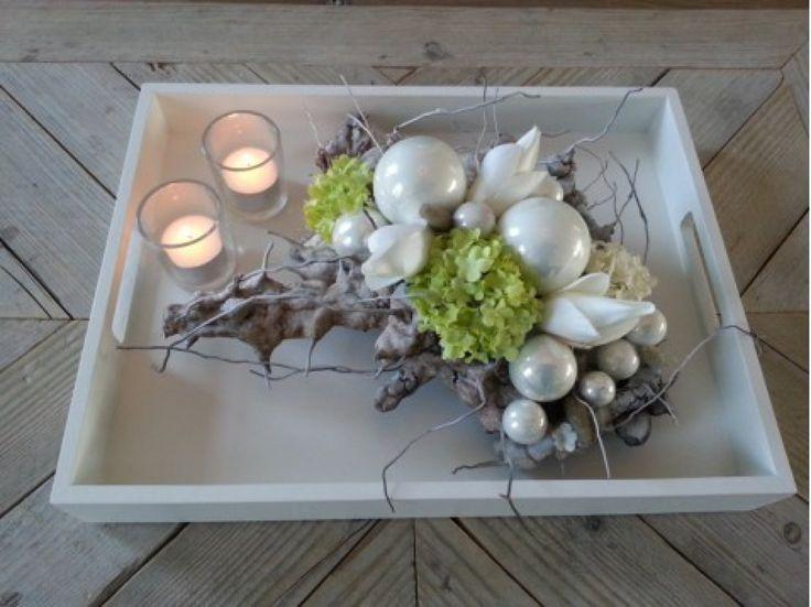 kerstdecoratie met zijde bloemen