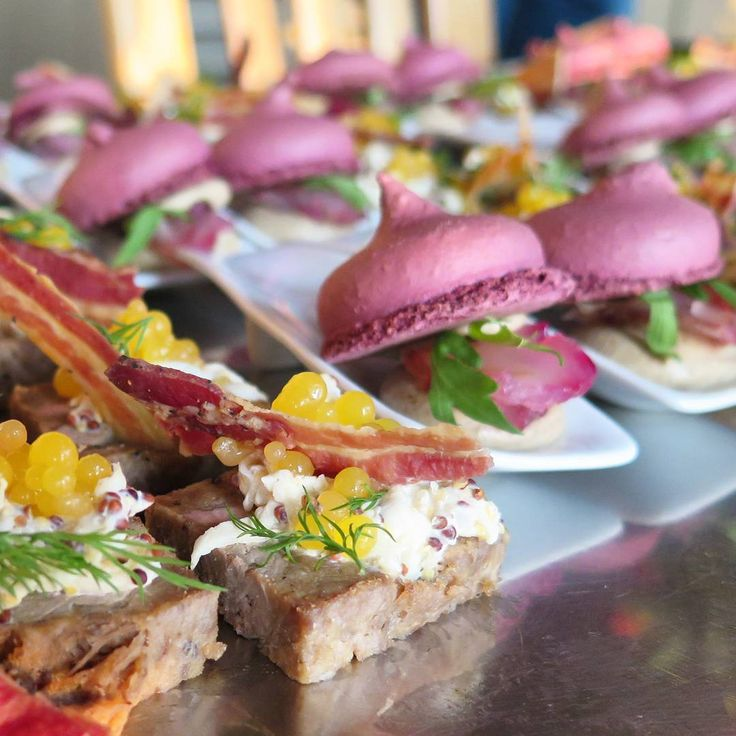 Treats from #lanzeracwines .At the front is #duck with #celeriac salad, #mango caviar and #bacon,  and behind that is a #beetroot #macaron with #rosemary cured #kabeljou and #rooibos smoked #aubergine mousse  #capewine2015 #Longridge #food #foodie #Foodblogger #foodporn #StellenboschWine #foodphotography  @longridgewine @stellenboschwine @capewine2015 @genussvoll @delheimwines @spierwinefarm @waterkloofwine @lanzeracbarossa @simonsig_estate