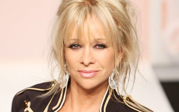 Jo Wood, the ex-wife of rock star Ronnie Wood, has broken up with her builder   boyfriend after discovering he was engaged to someone else, it has been   claimed.