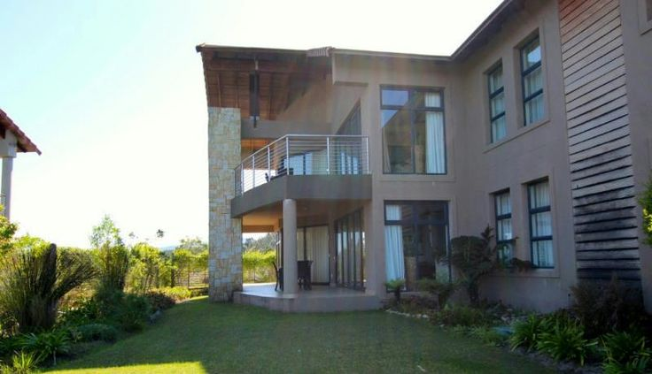 R3.15 - 2 bedroom apartment downstairs unit with braai area. Take a look at this property and discover more about its features, price and location to find out why it caught my eye.
