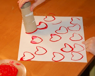 Toilet Paper Heart Stamping: Crafts For Kids, Valentines Crafts, Valentine Crafts, Stamping, Toilets Paper Rolls, Toilet Paper Rolls, Paper Hearts, Rolls Heart, Heart Stamps