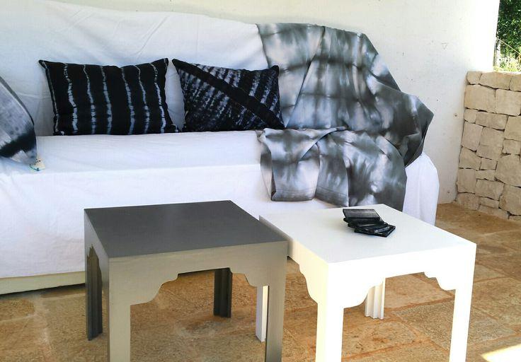Blancs gris taupes...couleurs douces pour le coin relax de la veranda