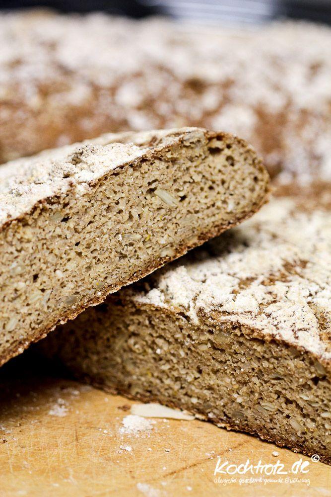 Heute machen wir mal in Hirse, um ganz genau zu sein in Hirsebrot und zwar in einer leckeren rustikalen Variante. Das Brot hat einen wunderbaren Geschmack und hält sich durch die Zuccini einige Tag...