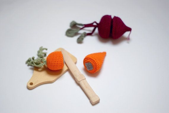 Cutting crocheted carrot, cutting crocheted beet-Cutting play food-Slice and play vegetables-Pretend play-Autumn harvest-Interactive toy