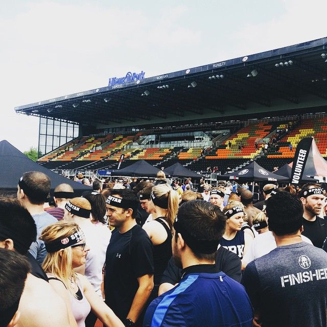"""@gritcamp's photo: """"#allianzpark was packed today, thousands of people and countless stairs.. #spartan #spartanrace #spartantraining #grit #toughmudder #battlefrog #warriordash #ocr #obstacles #aroo #fitness #noexcuses #fitfam #instafit #spartanfit #running #workout #obstaclerace #mudrace #motivation #stadiumrace #saracens"""""""