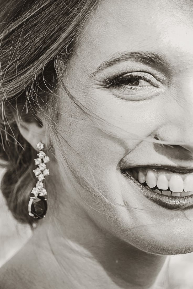 #formal #beauty #model #beautiful #racheljanephotography #earrings #smile