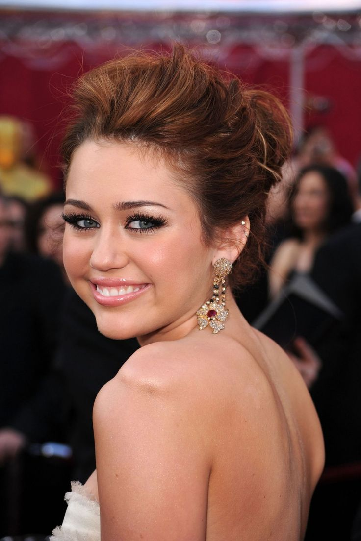 149 best miley images on pinterest miley cyrus american girl miley cyruss beauty evolution 2010 oscars pmusecretfo Images