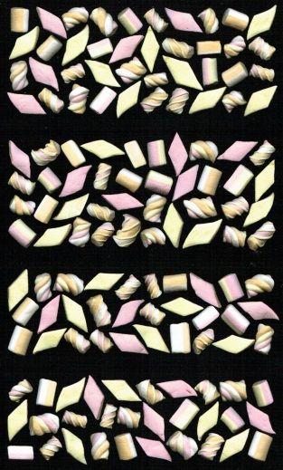 Dichter Ted van Lieshout bedacht het concept beeldsonnetten. Een sonnet bestaat…
