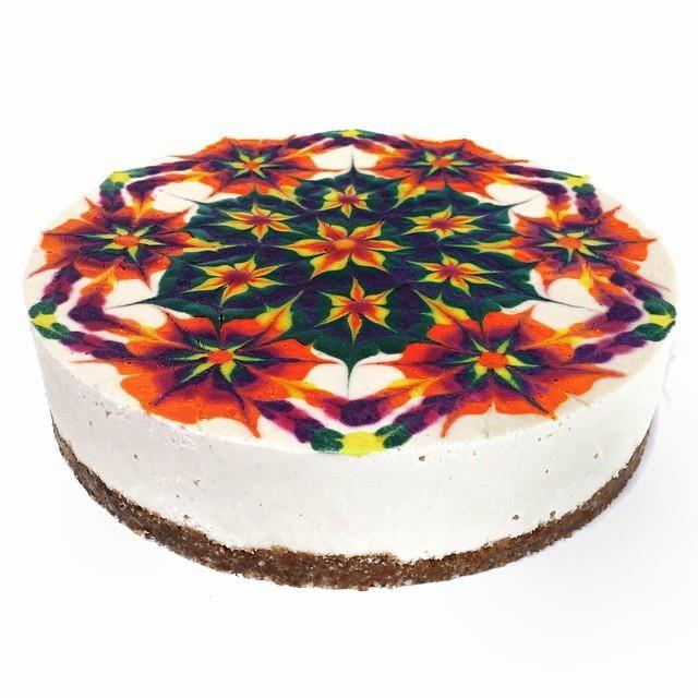 Los Angeles-based chef Stephen McCarty of Sukhavati Raw Desserts creates gorgeous, vibratly colored vegan cheesecakes featuring kaleidoscopic mandala patterns on top. McCarty cakes are impressive e...