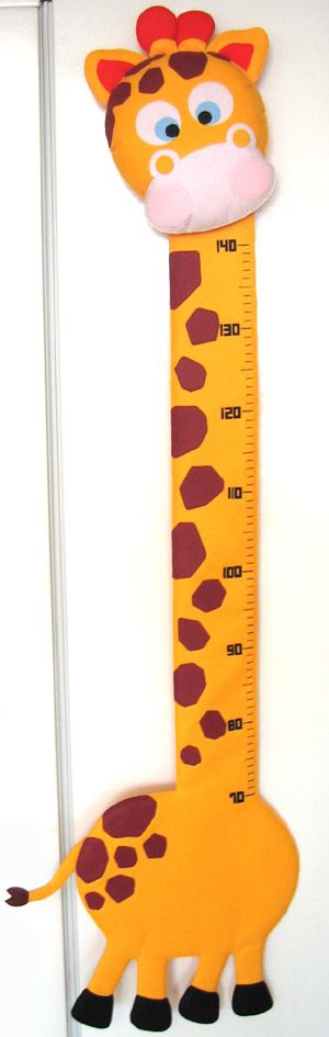Felt giraffe growth chart, so cute! i love giraffes!
