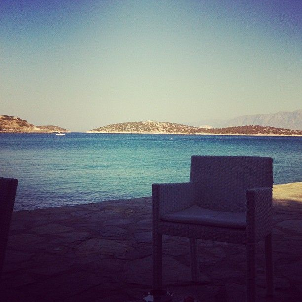 Minos Beach art hotel moments.. Thank you @aliciapommelet for this lovely photo!  #Crete #AgiosNikolaos #minosbeach