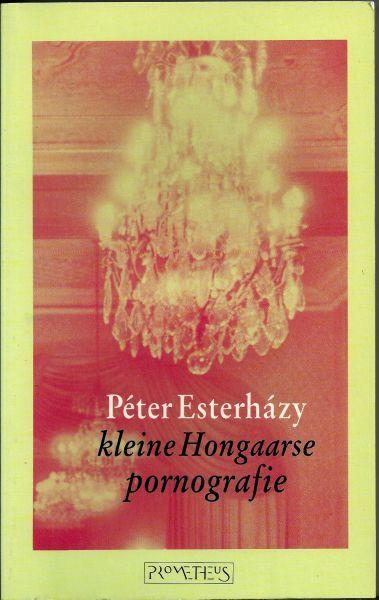 Peter Esterházy, auteur van 'Kleine Hongaarse pornografie'  en 'De hulpwerkwoorden van het hart', werd wereldwijd bekend met magnum opus 'Harmonia Caelestis'.