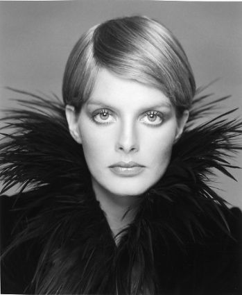 Rene Russo when she was a 70's supermodel ~ photo by Francesco Scavullo.
