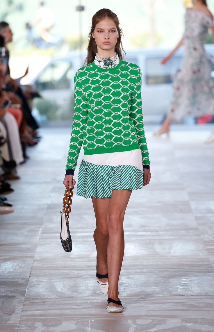 A Staple Sweater! Love! A Runway Look From The Tory Burch