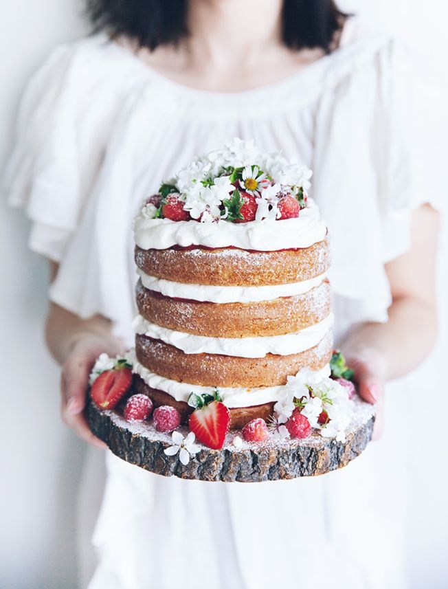Strawberries & cream cake for Design & trädgård magazine