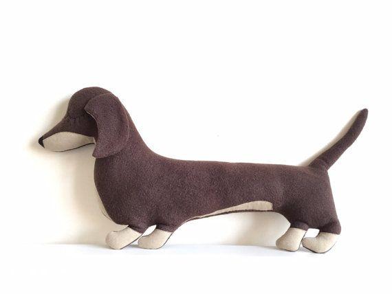 Sausage dog cushion  Dachshund sausage dog por KataHeizerDesign