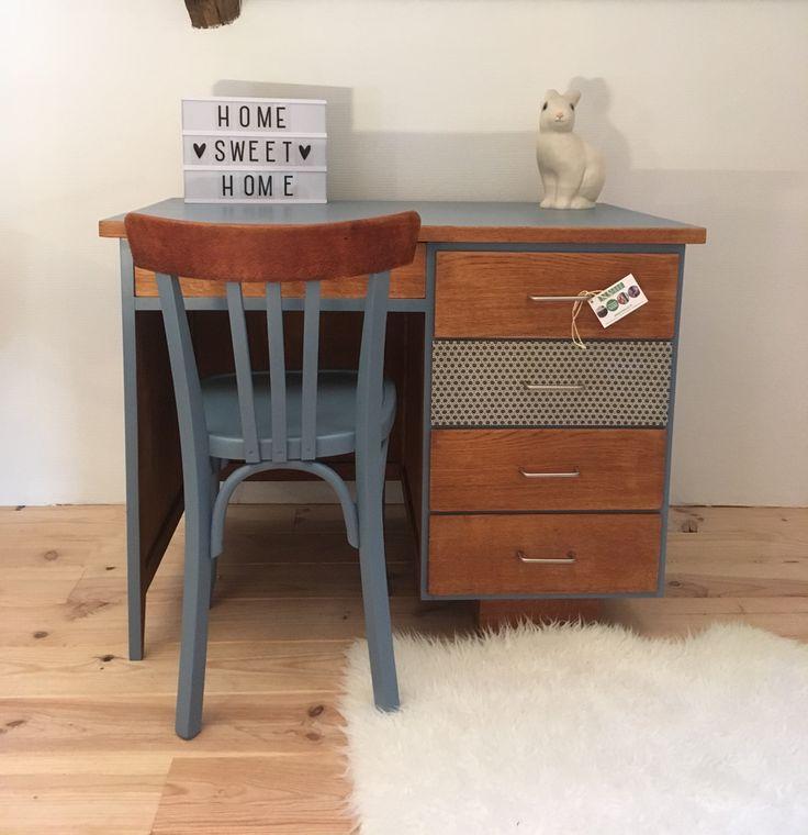 Le bureau vintage Annabelle a été entièrement restauré. Ses nouvelles couleurs : Bleu Grise , chêne miel et imprimés à motifs géométriques. Par Lilibroc