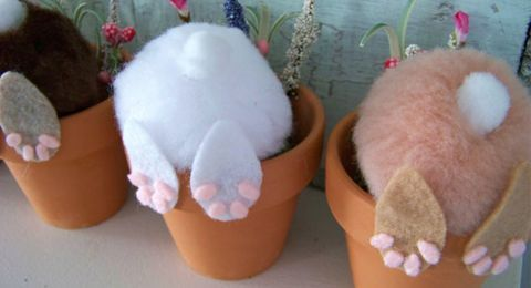 Curious Bunny Craft We found this while looking for craft inspiration on Pinterest – and while there was no direct instructions, it was too cute to pass up!  It looks like all you need is a flower pot, a couple of fake flowers, a few pieces of felt and 2 cotton balls (one large for …