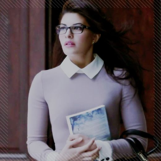 Jacqueline Fernandez looks effortlessly chic in Kick. We think the glasses did the magic; do you feel the same too?