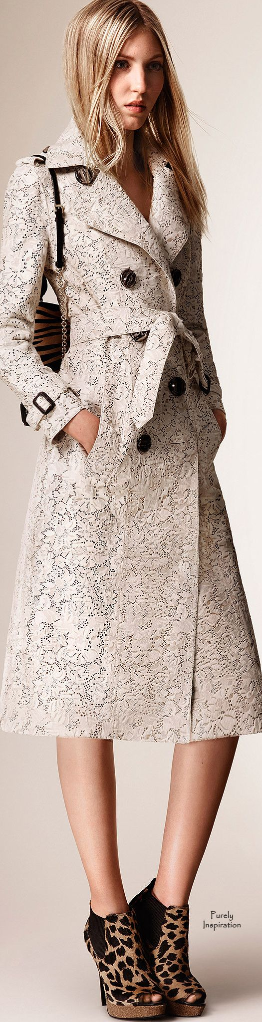 Burberry Prorsum Resort 2016 RTW | Purely Inspiration http://www.style.com/fashion-shows/resort-2016/burberry-prorsum/collection