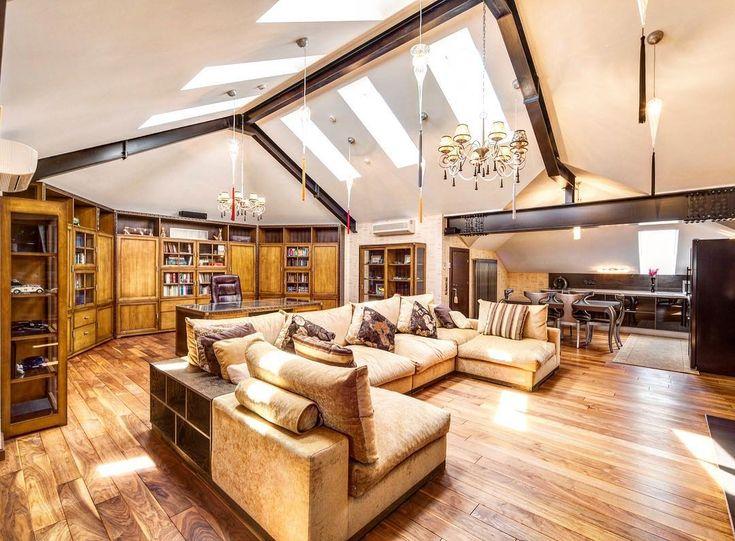 Жизнь не в том, чтобы жить, а в том, чтобы чувствовать, что живешь. Ключевский Василий Осипович --- Поэтому особенно так важно вовремя найти или построить свой #доммечты ☘️☘️☘️ Пусть сбываются мечты и счастье будет в каждом доме �� ________________________________________ Luxury House for sale �� Продажа роскошного дома в #Гринфилд. ��дом 700 м2 - 3 полных этажа с высотой потолка до 7 метров и вторым светом ��отдельно стоящий гараж 170 м2 (6 машиномест) с двумя квартирами для персонала на 2…
