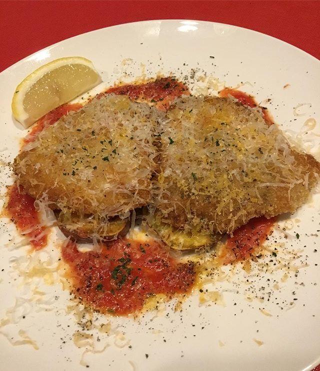 こんばんは(^^) おすすめメニューに初登場の「オランダ産仔牛のカツレツ」です!お肉とチーズとトマトソースが相性抜群です 本日も皆様のご来店をお待ちしております! #板橋#新板橋#パルティーレ#イタリアン#隠れ家#ディナー#肉#牛肉#仔牛#カツレツ#オランダ#チーズ#うまい#初登場#おすすめ#メニュー#ワイン