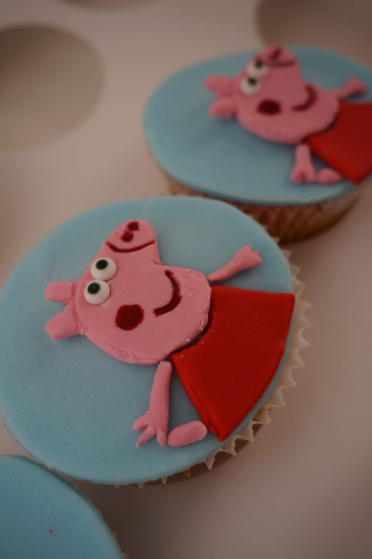 Peppa Pig Cupcakes. Made by Mary Paradissis.
