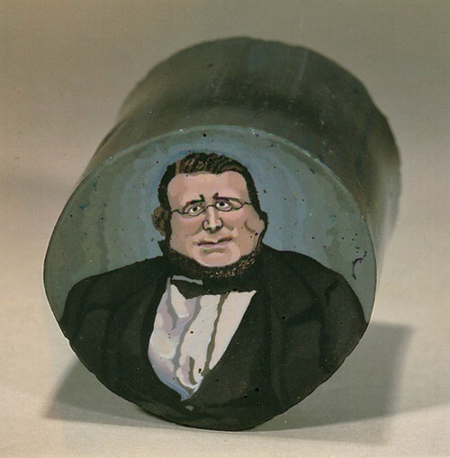 A murrina of Count Cavour by Giacomo Franchini (30mm diameter) ca. 1862. Photo by LH Selman.