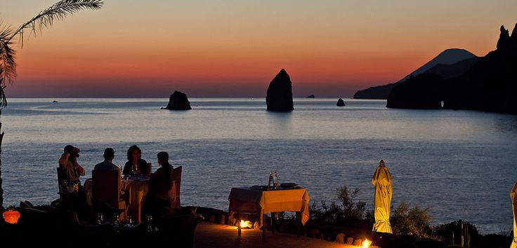 Destination Sicily DMCCandlelight Dinner. Exquisite dining under the stars. - Destination Sicily DMC