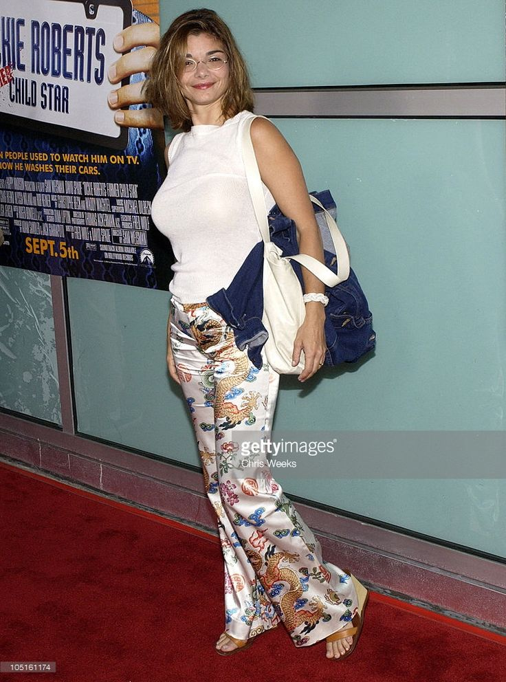 laura-san-giacomo-during-world-premiere-of-dickie-roberts-former-at-picture-id105161174 (759×1024)