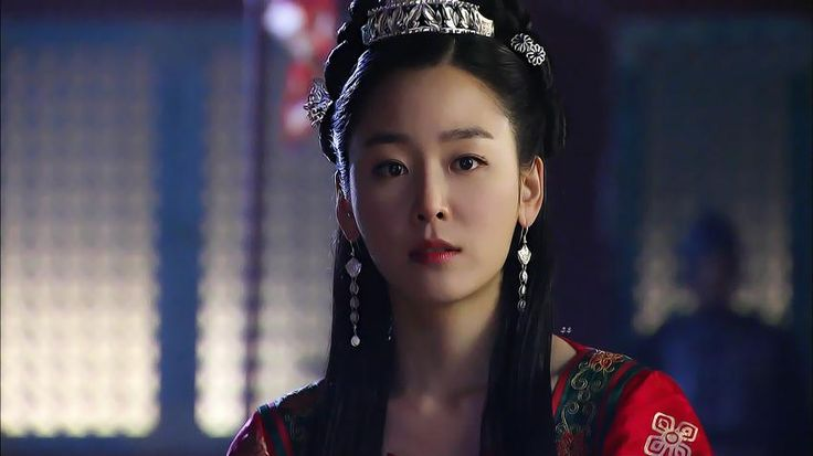 The King's Doctor (Hangul: 마의; hanja: 馬醫; RR: Ma-ui; lit. Horse Doctor) is a 2012 South Korean television series depicting Baek Gwang-hyeon (1625–1697), Joseon Dynasty veterinarian, starring Jo Seung-woo and Lee Yo-won. It aired onMBC.The life of a Joseon-era low-class veterinarian specializing in the treatment of horses, who rises to become the royal physician in charge of the King's health. 귀인조씨 서현진