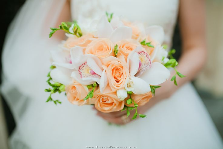 Wedding bouquet | See the full wedding on http://grabazeiphotography.ro/?page=portfolio&id=117
