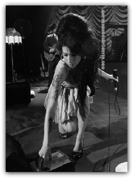 480 best amy winehouse images on pinterest singers for Amazing house music